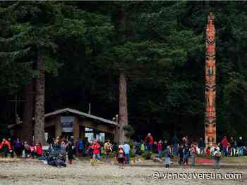 Tourists face uncertainty as B.C. First Nations communities question safety