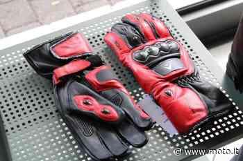 Vendo guanti moto in pelle Airoh a Muggio' (codice 8085577) - Moto.it