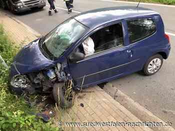 Kollision – Zwei Pkw Fahrer leicht verletzt - Südwestfalen Nachrichten | Am Puls der Heimat.