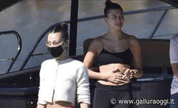 Porto Cervo, le top model Bella Hadid e Hailey Bieber in vacanza sullo yacht - Gallura Oggi