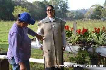 Agricultora de Taquari participa de mostra de artesanato com lã ovina - Infomativo