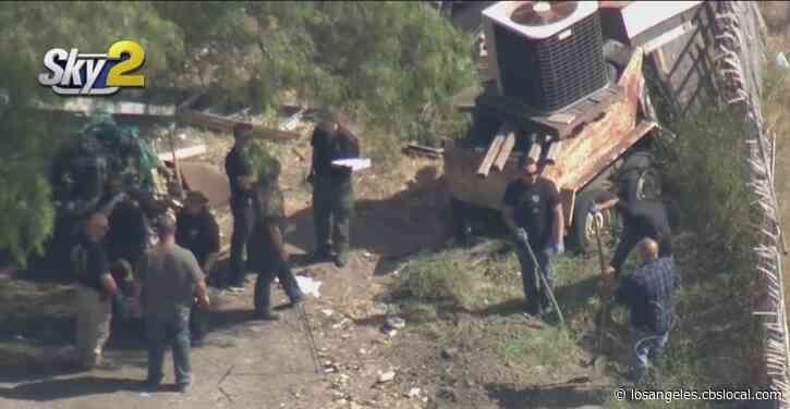 Ventura County Deputies Search Thousand Oaks Property For Missing Man Believed To Be Victim Of Foul Play