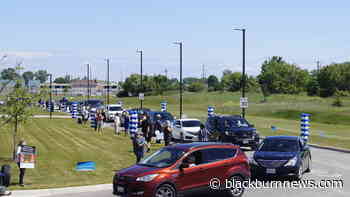 Drive-by graduate parade at Lambton College Wednesday (VIDEO & GALLERY) - BlackburnNews.com