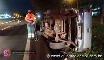 Caminhonete tomba após batida na BR-277 em São Miguel - Guia Medianeira