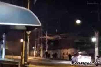 Vídeo: Intenso tiroteio assusta moradores do Gramacho, em Duque de Caxias - O Dia