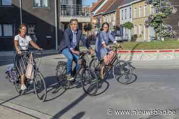 """Nieuw mobiliteitsbeleid legt fietsers in de watten: """"Tegen 2024 hebben we ruim 35 kilometer aan fietsvoorzieningen"""" - Het Nieuwsblad"""