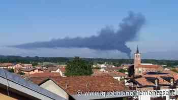 Incendio a Settimo Torinese, Colonna di fumo visibile a distanza di chilometri - Quotidiano Piemontese