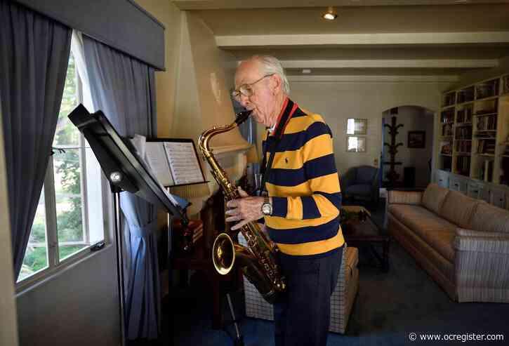 Jazz saxophone player draws crowd around his Fullerton house