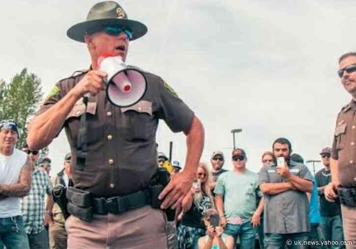 Washington sheriff suggests residents defy mask rule