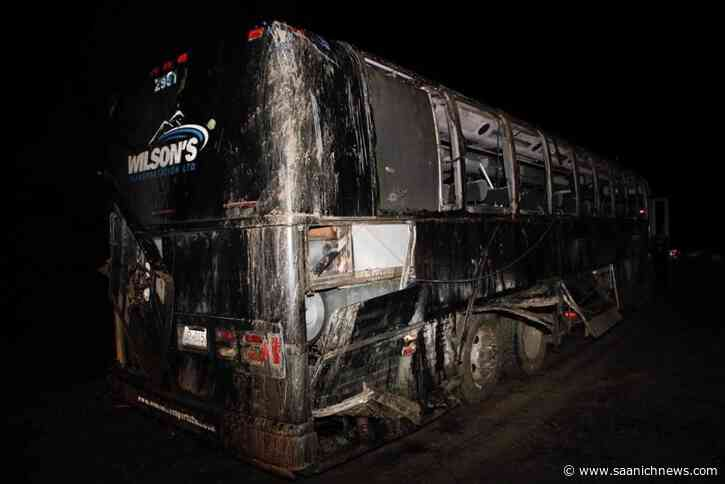 University of Victoria changes Bamfield field trip protocol after fatal crash - Saanich News