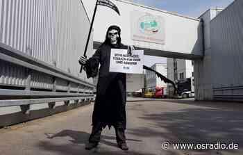 Tierrechtler protestieren vor Schlachthof in Dissen - osradio 104,8