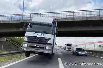 A70 bei Hallstadt: Lkw-Kran verkeilt sich an Brücke - inFranken.de