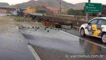 Rodovia dos Bandeirantes fica bloqueada nesta terça-feira após acidente - Via Trolebus