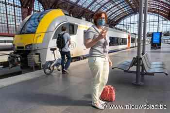 Vrouw die beroofd werd op trein zoekt jonge held die als enige achter dieven rende
