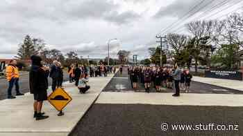 Stoney Creek Rd reopens away from the school gate - Stuff.co.nz