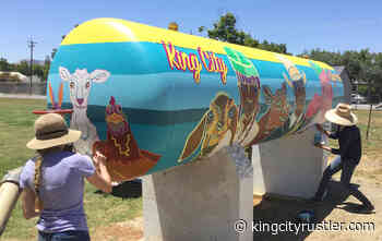 Artists finish new mural at Salinas Valley Fairgrounds, as King City Beautification Week continues - King City Rustler