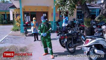 Puskesmas Guntur Semprot Disinfektan Pasar dan Fasum - TIMES Indonesia