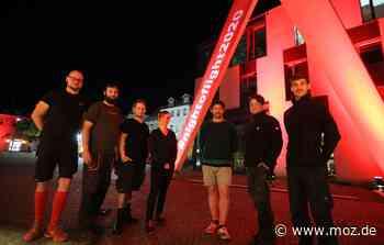 Night of light: Eberswalde: Rote Strahler als Achtungszeichen - Märkische Onlinezeitung