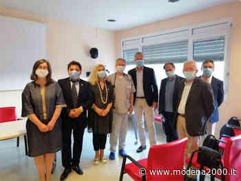 Una centralina di monitoraggio dei parametri vitali donata all'ospedale di Guastalla dai Lions Club - Modena 2000