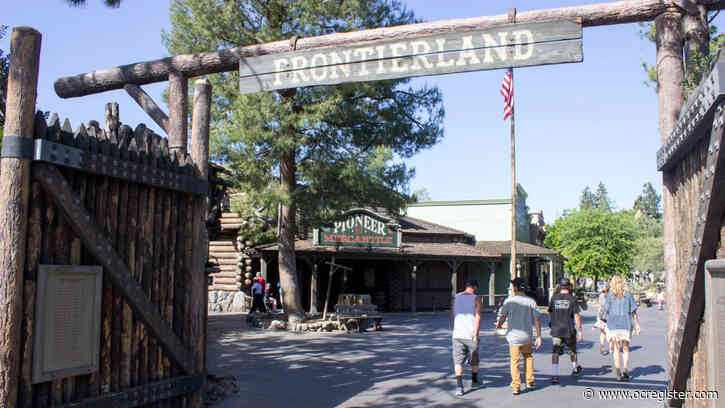 Disneyland resumes $200,000 renovation of Frontierland gate