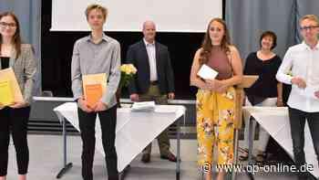 Obertshausen: Georg-Kerschensteiner-Schule verabschiedet einen ihrer erfolgreichsten Abiturienten-Jahrgänge - op-online.de