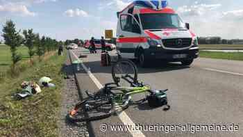Auto erfasst zwei Radfahrer – Rettungshubschrauber im Einsatz - Thüringer Allgemeine