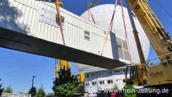 96-Tonnen-Prototyp auf den Weg von Wachtberg nach Koblenz: Weltraumradar reist über die Autobahn - Rhein-Zeitung