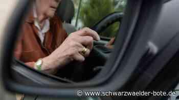 Rottenbrg: Fußmatte blockiert Bremspedal: 84-Jähriger baut Unfall - Schwarzwälder Bote