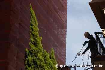 Porto Alegre tem queda no movimento com paralisação das atividades da construção civil e da indústria - GauchaZH