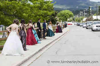 WATCH: Selkirk Secondary's Class of 2020 honoured with parade - Kimberley Bulletin