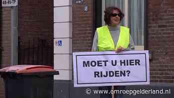 Woede in Laag-Keppel om toegenomen sluipverkeer: 'Zelfs de TomTom stuurt je hierheen' - Omroep Gelderland