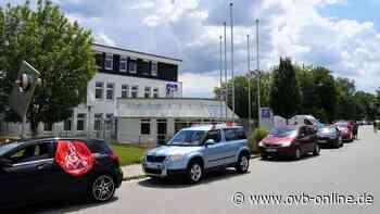 Autokorso gegen geplanten Stellenabbau: ZF-Mitarbeiter protestieren in Aschau - Oberbayerisches Volksblatt