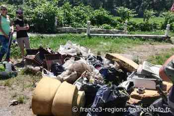 Isère : des citoyens organisent une opération de nettoyage à Bourgoin-Jallieu - France 3 Régions
