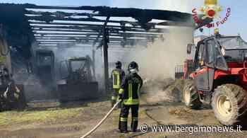 Bolgare, in fiamme un fienile: intervengono i Vigili del fuoco - Bergamo News - BergamoNews.it
