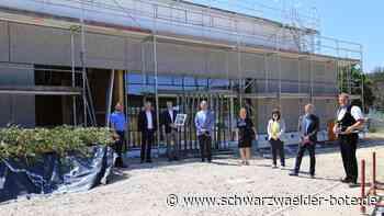 Schramberg: Richtfest an der neuen Schulsporthalle - Schramberg - Schwarzwälder Bote