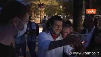 Salvini passeggia per San Benedetto del Tronto tra saluti e selfie - Il Tempo