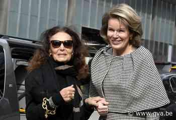 """Koningin Mathilde verrast met opvallende outfit: """"Een statem... - Gazet van Antwerpen"""