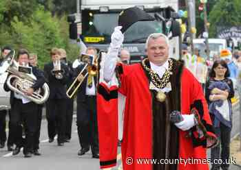 Welshpool mayor Steve Kaye to stay in post for extra year - Powys County Times