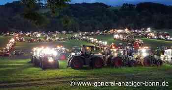 Bauern formen Riesen-Traktor: 400 Landwirte demonstrieren mit Treckern in Lohmar - General-Anzeiger