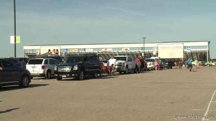 Thousands enjoy drive-in Garth Brooks concert - 1011now