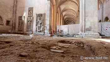 Unter dem Boden der Basilika - Grabkammern im Kloster Eberbach gefunden - BILD