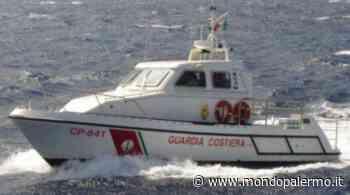 Tragedia sfiorata a Lipari, yacht urta gli scogli e affonda, salvi gli otto turisti che erano a bordo - Mondopalermo.it