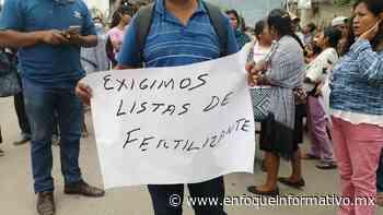 Bloquean campesinos carretera a Tixtla; exigen entrega de fertilizante - Enfoque Informativo