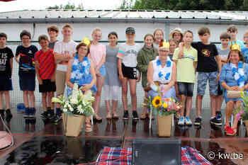 Kinderen basisschool Arnoldus Oudenburg nemen afscheid van Annemie, Cathérine en Liliane - Krant van Westvlaanderen