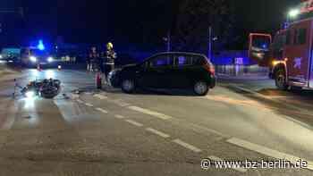 Hoppegarten: Motorradfahrer bei Abbiege-Unfall verletzt - B.Z. Berlin