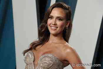 Jessica Alba Effortlessly Nails Yet Another TikTok Dance With Daughter Honor - ETCanada.com
