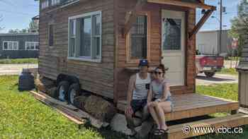 This woman hopes Moosonee allows her to live in her 'tiny home' - CBC.ca