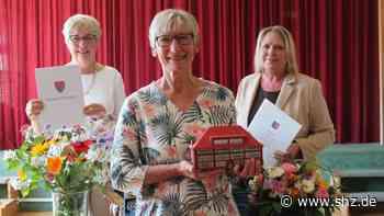 Nach elf Jahren: Rektorin Karen Schlüter der Friedrich-Ebert-Schule in Uetersen verabschiedet | shz.de - shz.de