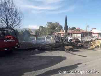 Incendio consume taller en Palmar de Bravo - Municipios Puebla
