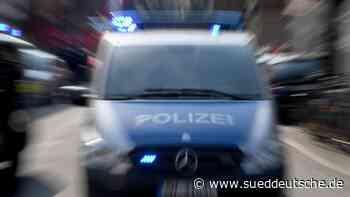 Polizei sucht nach tödlicher Messerattacke einen 24-Jährigen - Süddeutsche Zeitung